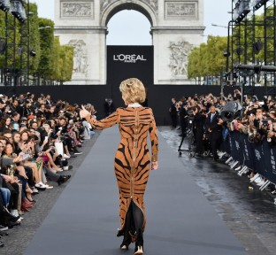 Chopard Lights Up the Champs-Elysées at L'Oréal's Paris Runway Show